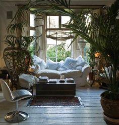 Para los que no se les da bien el cuidado de las plantas, acabamos de recibir en nuestra tienda de Madrid, diferentes modelos de plantas artificiales, exóticas y tropicales. http://www.originalhouse.info/catalogo/jarrones-flores/page/4/