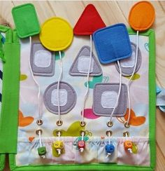 Toddler quiet book- quiet book pages - color match - learn colors - Build your own quiet book - busy book - activity book - learning book Diy Quiet Books, Baby Quiet Book, Felt Quiet Books, Quiet Book Templates, Quiet Book Patterns, Silent Book, Felt Play Mat, Fidget Blankets, Sensory Book