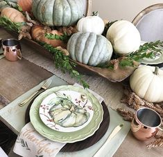 Decorating with dough bowls as a centerpiece on the dinning table filled with pumpkins and gourds by Pollies Place Diy Home Decor Projects, Fall Home Decor, Autumn Home, Sunroom Dining, Dinning Table, Harvest Season, Fall Harvest, Thanksgiving Decorations, Table Decorations
