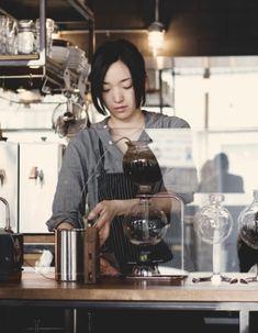 siphon coffee Love Coffee - Makes Me Happy Coffee Cafe, Drip Coffee, Coffee Break, Bakery Cafe, Cafe Restaurant, I Love Coffee, My Coffee, Fresh Coffee, Latte Art