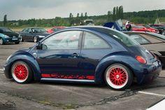 https://flic.kr/p/esYKqJ | Volkswagen New Beetle