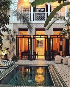 Le plus chaud Instantanés mediterranean Style Architectural Astuces Patio Interior, Interior And Exterior, Swimming Pool Designs, Swimming Pools, Deck Design, House Design, Design Design, Future House, My House