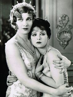 Esther Ralston and Clara Bow in 'Children of Divorce' c.1927, Gary Cooper also featured in this movie.