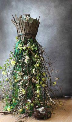A living Spring dress! incredible spring dress for a mann.- A living Spring dress!… incredible spring dress for a mannequin – Hibunia Hi -… A living Spring dress!… incredible spring dress for a mannequin – Hibunia Hi – - Deco Floral, Floral Design, Floral Prints, Mannequin Art, Floral Fashion, Paper Fashion, Trendy Fashion, Flower Dresses, Faeries