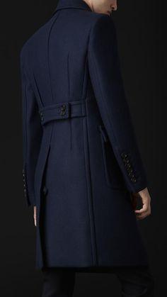 Smart Casual Jeans, Der Gentleman, Mens Overcoat, Sheepskin Jacket, Tailored Coat, Men's Coats And Jackets, Winter Jackets Women, Suit Fashion, Fashion Coat