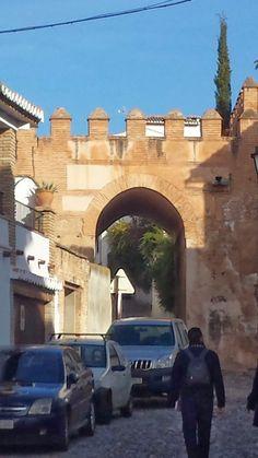 Legado Nazari: Puerta de Fajalauza
