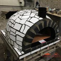 White Outdoor Pizza Oven with Mosaic Tile