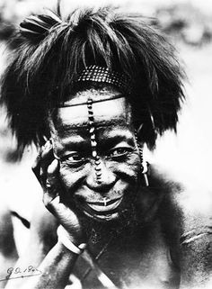 African Hats, African Tribes, African Diaspora, Scarification Tattoo, Kingdom Of Kongo, Rd Congo, Belgian Congo, Culture Art, Photographs Of People