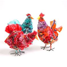 Chickens made from recycled plastic bags from South Africa Recycled Toys, Recycled Plastic Bags, Recycled Garden Art, Recycling, Chicken Crafts, Green Craft, Farm Crafts, Easy Woodworking Projects, Easy Crafts For Kids