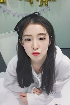 Kpop Girl Groups, Korean Girl Groups, Kpop Girls, Seulgi, Asian Music Awards, K Wallpaper, Red Pictures, Red Velvet Irene, Cute Girl Photo