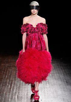 Alexander McQueen Autumn/Winter 2012    Paris Fashion Week