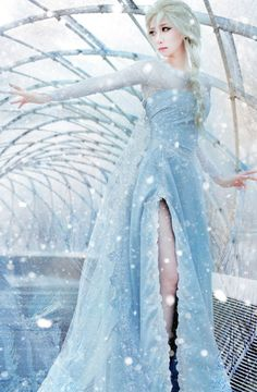 This is beautiful.   Elsa the Snow Queen | FROZEN
