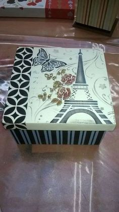 Torre ifel Painted Boxes, Wooden Boxes, Hand Painted, Decoupage Box, Decoupage Vintage, Altered Cigar Boxes, Girls Jewelry Box, Tea Box, Vintage Box