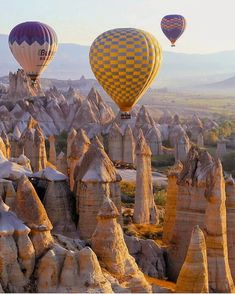 Hot air balloons over Cappadocia, Turkey Places In Europe, Places To Go, Turkey History, Istanbul Travel, Explore Travel, Turkey Travel, Hot Air Balloon, Beautiful World, Travel Photos