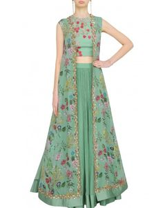 Ridhi Mehra's sea green lehenga set will make you stand out this wedding season with its unique floral cape blouse and embroidered detailing. Sari, Lehenga Choli, Anarkali, Indian Gowns Dresses, Pakistani Dresses, Indian Attire, Indian Outfits, Indian Designer Outfits, Designer Dresses