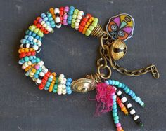 Bohemio brazalete hippie hippy gypsyRustic multi por BeadStonenSkin Más
