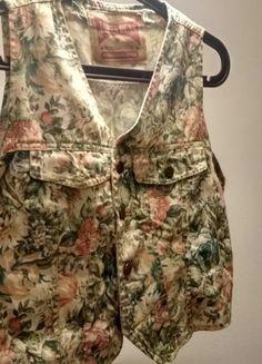 Kup mój przedmiot na #vintedpl http://www.vinted.pl/damska-odziez/inne-ubrania/21568467-dzinsowa-kamizelka-w-kwiaty-james-dean-swietna-jakosc-oryginalny-dodatek-do-stylizacji