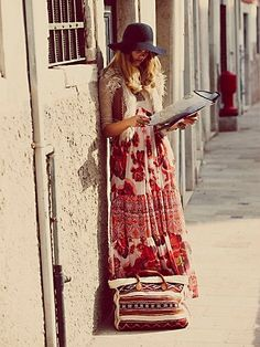 BOHO / Free People Ethnic Rose Maxi Dress at Free People Clothing Boutique Hippie Style, Look Hippie Chic, Gypsy Style, Boho Gypsy, Bohemian Style, Hippie Boho, Hippie Masa, Hippie Girls, Bohemian Fall