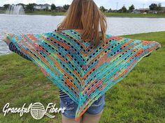 Caraline Bella Shawl | Graceful Fibers | Free Crochet Pattern @gracefulfibers