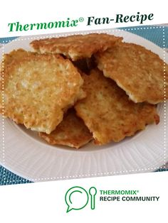 Recipe Great Grans Potato Cakes by learn to make this recipe easily in your kitchen machine and discover other Thermomix recipes in Side dishes. Yummy Recipes, Vegetarian Recipes, Cooking Recipes, Yummy Food, Family Meal Planning, Family Meals, Food N, Food And Drink, Recipes