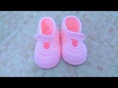 Sapatinho para customização - YouTube Crochet Baby Dress Pattern, Baby Shoes Pattern, Crochet Baby Clothes, Crochet Baby Shoes, Love Crochet, Crochet Sandals, Crochet Boots, Crochet Slippers, Cute Baby Shoes