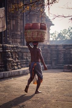 """streets-of-india:""""Bubhaneshwar is a temple town in the state of Odisha"""" Village Photography, Indian Photography, Creative Photography, Body Painting Festival, Weather In India, Backpacking India, Beyond The Horizon, Human Poses, Amazing India"""