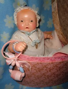 Effanbee Lambkins Baby w/ Factory Oval Box ~ Gift Giving Condition : My Dolly Market Old Dolls, Antique Dolls, Vintage Dolls, Christmas Gift For You, Vintage Christmas, Doll Toys, Baby Dolls, Effanbee Dolls, Child Doll