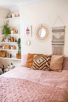 Home Interior Hallway Bedroom inspo.Home Interior Hallway Bedroom inspo Boho Chic Bedroom, Boho Chic Living Room, Boho Room, Eclectic Bedroom Decor, Room Decor Boho, Boho Teen Bedroom, Cheap Room Decor, Bedroom Rustic, Bedroom Modern