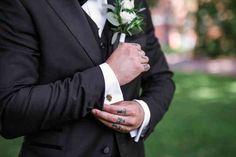 #wedding #weddingportrait #couple #portrait #photohoot Wedding Portraits, Wedding Photography, Couple, Wedding Photos, Wedding Pictures, Couples