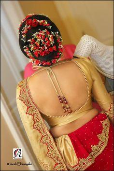 Saree Blouse Neck Designs, Blouse Patterns, South Indian Bride, Indian Bridal, Asian Bride, Blouse Dress, Saree Dress, Sleeveless Blouse, Indian Beauty Saree