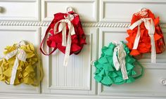 ruffled backpack tutorial.  I might try to make one of these for my daughter.