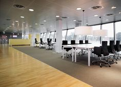 A working space with lots of light and Ahrend workstations for small and larger teams. Excited to work today? Work Today, Workspaces, Office Interiors, Office Decor, Larger, Innovation, City, Furniture, Home Decor