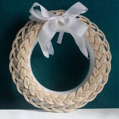 Wreath for romance Christmas Baskets, Christmas Diy, Basket Weaving Patterns, Baby Shower Crafts, Willow Weaving, Bamboo Crafts, Pin On, Loom Weaving, Weaving Techniques