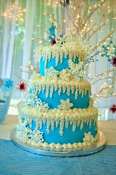 Frozen-inspired cake with snowflakes and icicles