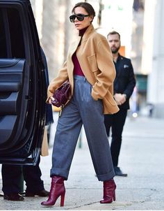 Street Style: Casual Chic Casual Look (Casual Chic) Herbst / Winter Damenhose - Tendances Mode 2018 - Mode Outfits, Office Outfits, Casual Outfits, Fashion Outfits, Womens Fashion, Fashion Trends, Office Attire, Petite Fashion, Office Wear