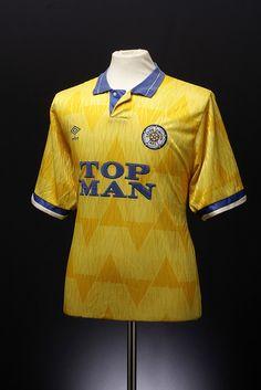 Leeds Football Shirt - Away) New Football Shirts, Classic Football Shirts, Vintage Football Shirts, Football Photos, Football Jerseys, Vintage Shirts, Leeds United Shirt, Leeds United Fc, Leeds United Football