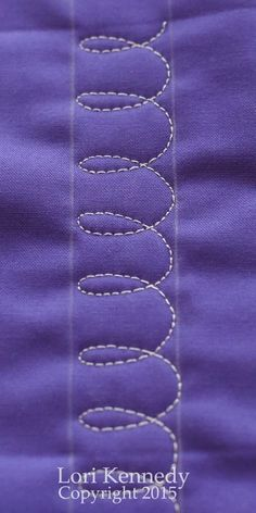 Beginner Loops- A Free Motion Quilt Tutorial - Lori Kennedy Quilts - Beginners Loops, Free Motion Quilting - Quilting For Beginners, Quilting Tips, Quilting Tutorials, Longarm Quilting, Sewing Tutorials, Quilting Stencils, Quilting Templates, Quilt Binding, Quilt Stitching