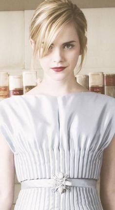 Prendas que debes tener para imitar el look de Emma Watson