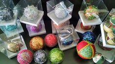 Bolas decorativas prontas para a venda!