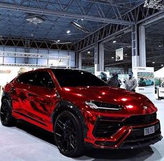 Chrome design of Lamborghini Urus 🔥Rate this beauty in comment👇🏻 F. - Luxury Cars World - Exotic cars Luxury Sports Cars, Top Luxury Cars, Exotic Sports Cars, Luxury Suv, Sport Cars, Luxury Life, Exotic Cars, Bmw F 800 R, Yamaha Xjr