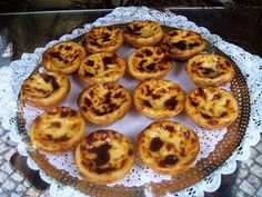 As promised my dear friends here is the recipe for one of my favourite sweet treat. Sorry I& late but I& been fighting the ghas. Portuguese Egg Tart, Portuguese Desserts, Portuguese Recipes, Easy Desserts, Delicious Desserts, Yummy Food, Healthy Food, Natas Recipe, Yummy Treats