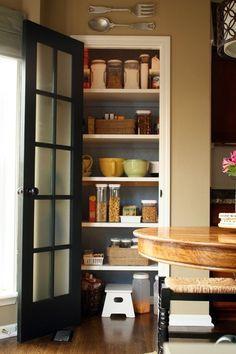 Adding the right kitchen pantry doors can help spice up the kitchen and also provide the best closure to the shelves. There are various kitchen pantry doors available. Wire Pantry Shelves, Kitchen Pantry Design, Kitchen Pantry Cabinets, Wire Shelving, Diy Kitchen, Kitchen Storage, Kitchen Dining, Kitchen Doors, Cooking
