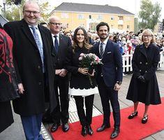 21 October 2016 - Princess Sofia and Prince Carl Philip visit Värmland - coat by Valentino, shoes by Gant