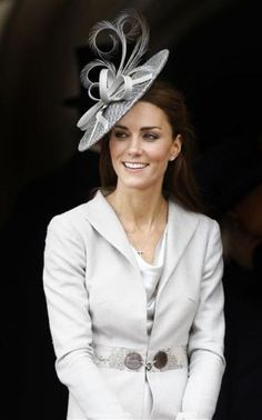 Secretly I wish the fabulous hat trend would come to America.. I would love it!