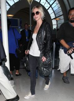 Ashlee Simpson Arriving at LAX September 7 2012