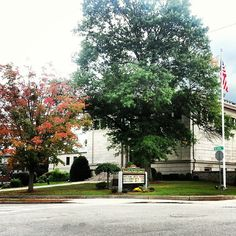Fall scenes at the Franklin Public Library- #FranklinMA #Massachusetts