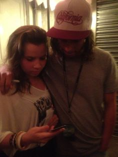 Vic Fuentes and a fan... Follow the source, you won't regret it <3 <<< I'm crying he is literally an angel I love him so much and that he's so nice and caring to the fans