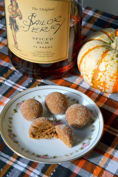 Pumpkin Spice Rum Balls Recipe- here's something different: Pumpkin puree and spiced rum and a ton of fall spices. Delicious Desserts, Dessert Recipes, Yummy Food, Candy Recipes, Dessert Ideas, Cookie Recipes, Tasty, Thanksgiving Recipes, Holiday Recipes