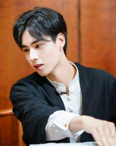 "Hồ Nhất Thiên  ""表白咱家天天❤ 。 。 。 。 #huyitian #huyitians #胡一天 #致我們單純的小美好 #致我们单纯的小美好 #二十四小时 #twentyfourhours…"" Most Handsome Men, Handsome Boys, Hot Actors, Actors & Actresses, A Love So Beautiful, Someone Like You, Chinese Boy, Chinese Actress, Ulzzang Girl"