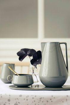 9 Helpful Cool Tips: Minimalist Home Bedroom House modern minimalist bedroom plants.Minimalist Home Interior Design modern minimalist living room cabinets.Minimalist Kitchen Ideas Home. Ikea Interior, Minimalist Home Decor, Minimalist Interior, Minimalist Living, Minimalist Bedroom, Cerámica Ideas, Mug Design, Décor Antique, Kitchenware